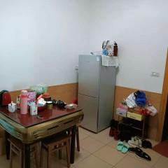 香港城旁边,单位宿舍,3楼,26万带走