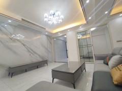 国际华城全新精装3室,中层,生活停车方便