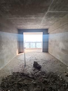 紫燕大厦2室2厅,中层毛坯,可议价,过户便宜