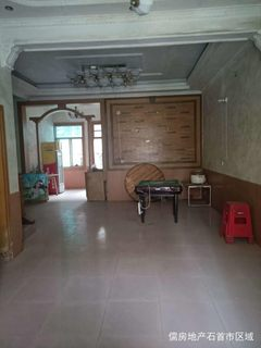 农贸市场附近独栋私房,65万307.98m²出售
