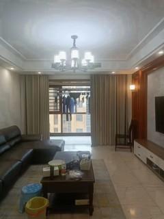 电梯房精装金色港湾3室2厅2卫88.8万120m²出售