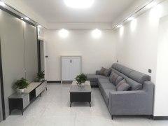 龙腾花园旁精装3室,中层采光好,生活方便,可议价
