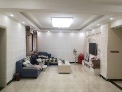 国际华城精装3室,中层采光好,生活停车方便,拎包入住,可议价