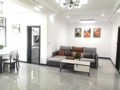 城市广场对面精装3室,中层采光好,生活方便,可议价